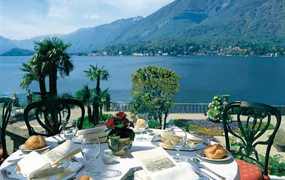romance sur le lac de c me la villa serbelloni contrastes voyages. Black Bedroom Furniture Sets. Home Design Ideas